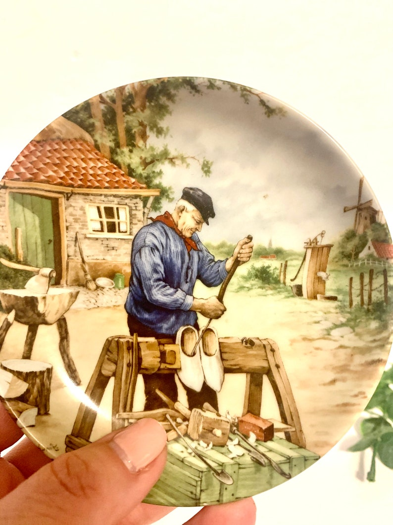 small collectible cobbler plate Vintage Royal Schwabap Holland Hand Decorated Ter Steege \u201c the shoemaker\u201d mini Collectors Plate