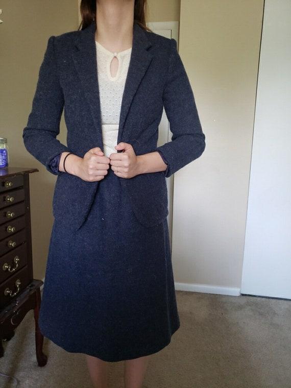 Women's pant suit