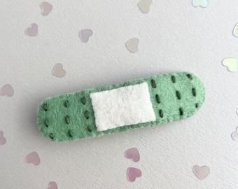 Fern green menhera kei yami yume Kawaii bandaid hair clip