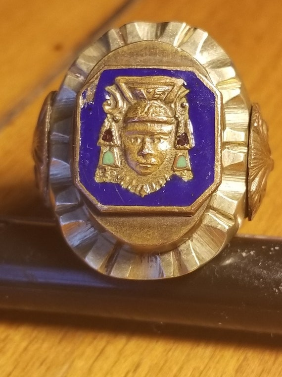 Mexican biker ring from the 1940s