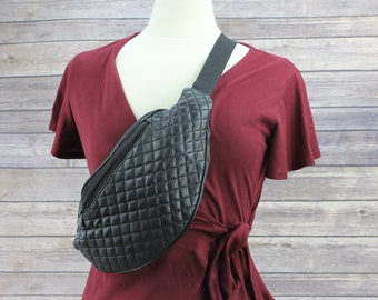 Quilted leather fanny pack, Black leather belt bag, Minimalist crossbody pouch, Travel bag for her