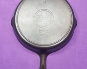 Beautiful 9 Griswold Cast Iron Skillet with Heat Ring Slant Erie Logo No quot Quotes quot Extremely Smooth Level 710D Hard to Find