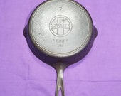 Nice 7 Griswold Cast Iron Skillet with Heat Ring Slant quot Erie quot Logo Smooth Clean Sits Flat 701
