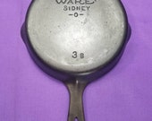 Nice 3B Wagner Cast Iron Skillet with Smooth Bottom Clean Smooth Level Sits Flat Ready to Use