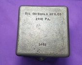 Rare Griswold Cast Iron Square Grease Pail with Smooth Bottom Sits Flat Smooth 1482 Ready to Use Or Display