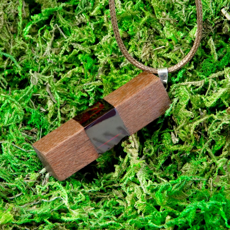 Transparent Wood and jewelry resin pendant Natural redwood Double sided unique pendant for necklace Glass Fashion jewelry For women