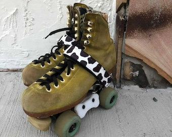 Moo Edition Roller skates ankle saver by GStraps . fits all chayas,moxi, moonlight, sugrip, impalas and many more. Sold as a pair.