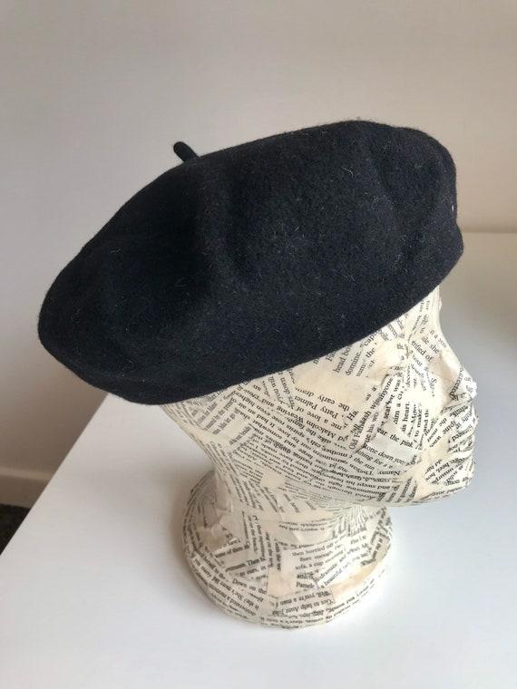 Classic Vintage French Black Wool Felt Beret Elega