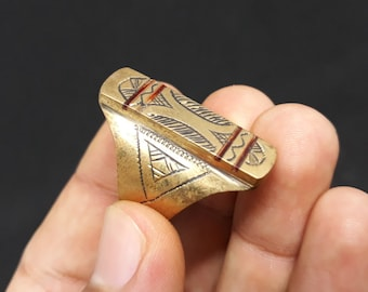 Vintage Gold Berber Ring from Morocco with Enamel and Glass, Berber Rings Moroccan Jewelry, vintage Berber Brass, enamel ring Berber Jewelry