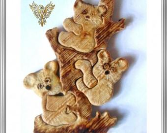 Wooden Figure, Bears, Tree