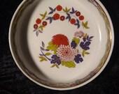 Japanese Imari floral bowl with lid