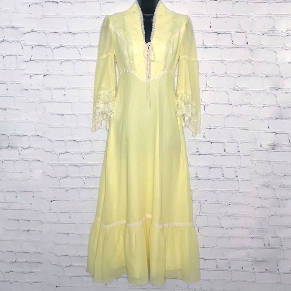 Vintage 1970's Yellow Prairie Maxi Dress Lace Bell
