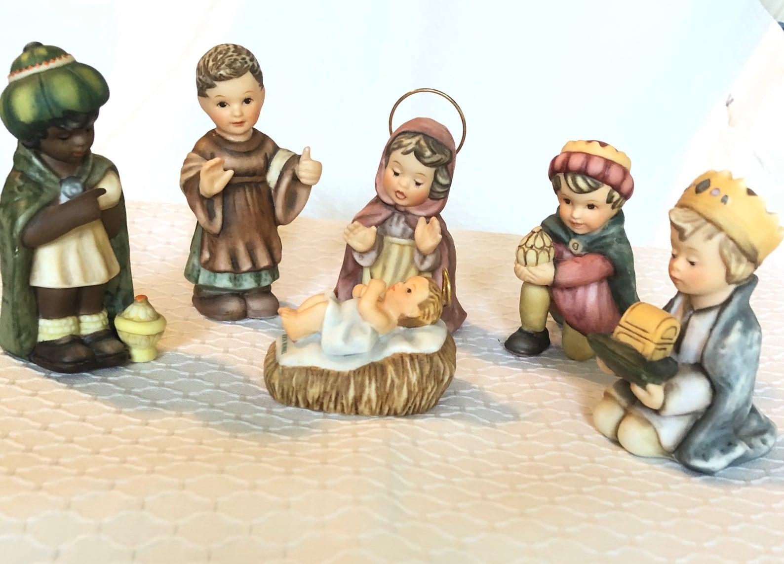 Goebel nativity set figurines