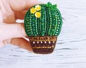 Beaded brooch Cactus