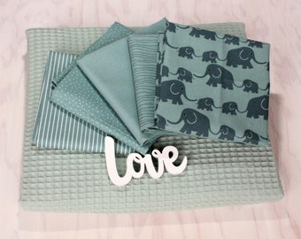 """Fabric package crawl blanket """"Benno"""" with 5 Westphalian fabrics and waffle lpiqué patchwork baby blanket"""