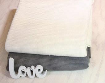 Waffeljersey natural white, dark grey* 150 cm wide * 100% cotton * 50 cm steps