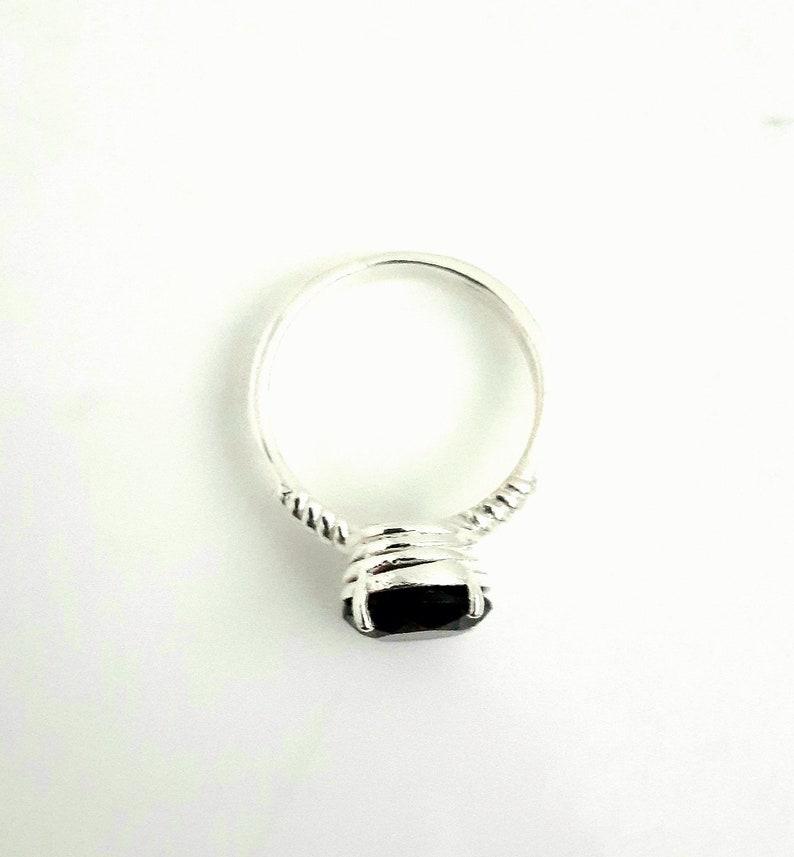 Brown Colour Stylish Girl/'s Wear Stunning Look admiring Asset Hallo Smokey Quartz Gemstone Round In Shape 925 Sterling Silver Ring