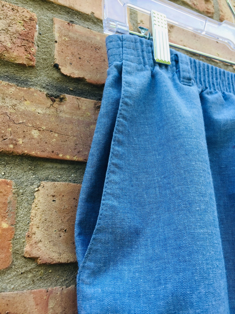 Made in USA Vintage Light Wash Denim Jean Skirt Classic Retro Knee Length Pockets Back Kick Pleat Summer Fun Outdoor Party Outfit Sz 10 Med