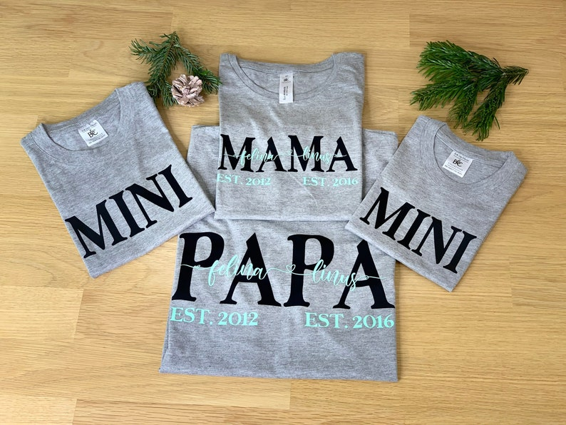PAPA 2xMINI 4-shirt set  personalized family t-shirts  gift  mom  dad  family shirts for proud parents  grey MAMA