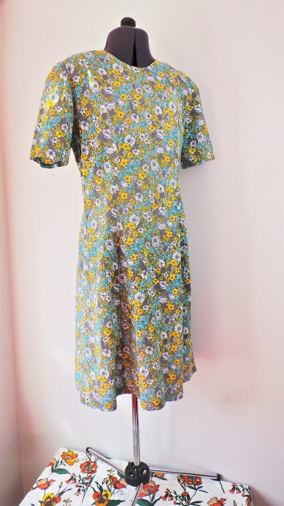 1960s cotton summer dress in a blue and yellow dit