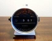 Vintage Sony digimatic 6RC-15 quot Speedometer quot radio alarm flip clock 50Hz. With original box. Very rare Build 1971 in Japan