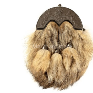 COYOTE FUR SPORRAN:Leather Body-Flap Alike Coyote Head-with Chain Belt Straps