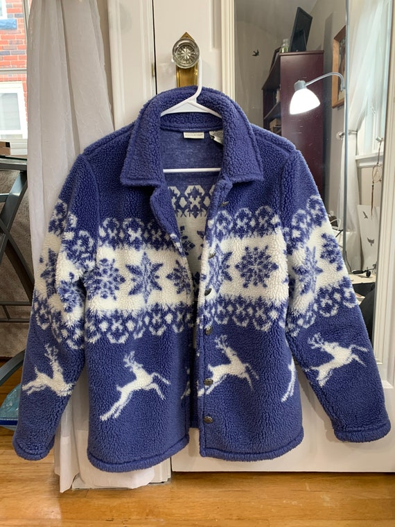 White stag blue and white reindeer snowflake Sherp