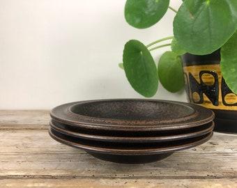 ONE Vintage ARABIA Finland Plate RUSKA Pattern Brown Ceramic Stoneware Bread Desert Side Salad Plate Mid Century Modern Kitchen Dining Ware