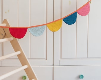 Pennant necklace made of fabric – sewn with love – beautiful decoration for the children's birthday party - Kinderzimmer & Co
