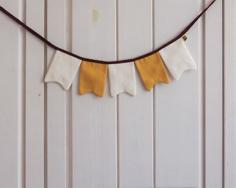 Mini pennant necklace made of fabric – sewn with love – beautiful decoration for the children's birthday party - Kinderzimmer & Co