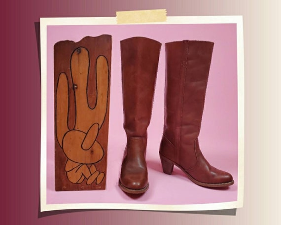 Vintage 1970s leather heeled boots by Dexter.