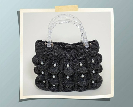 Vintage plastic weave purse. Kitsch. Mod. Black.