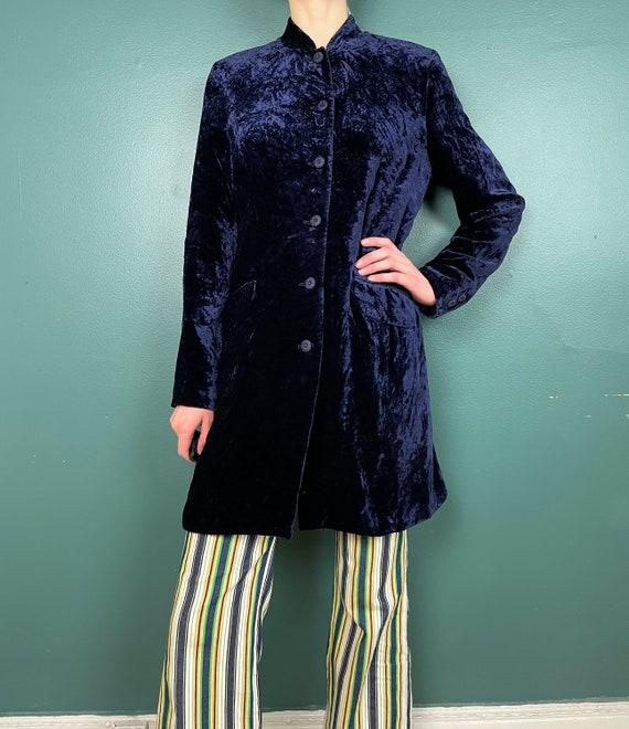 90s Does 60s Vintage Navy Blue Crushed Velvet Jac… - image 2