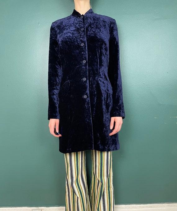 90s Does 60s Vintage Navy Blue Crushed Velvet Jac… - image 4