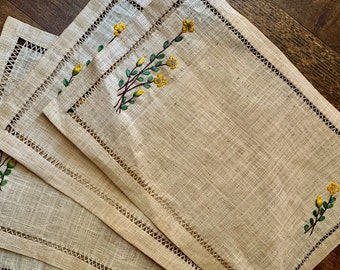 Adorable Vintage Woven Place Mats Embroidered Flowers Woven Placemats Boho Decor Set Of 4