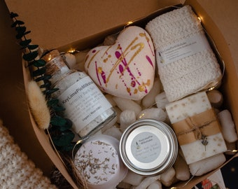 Holiday gift box, self care package for friend, spa box for mom, natural spa basket for her, spa kit for women