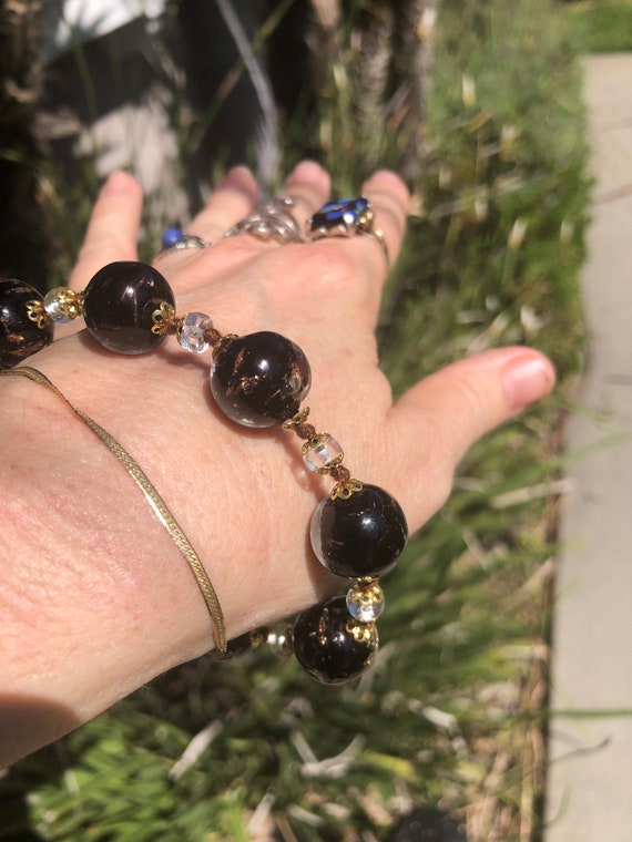 BLACK BEADED BRACELET Vintage Charm Style Glass Beads With Gold Color Inlay Circa 1990/'s