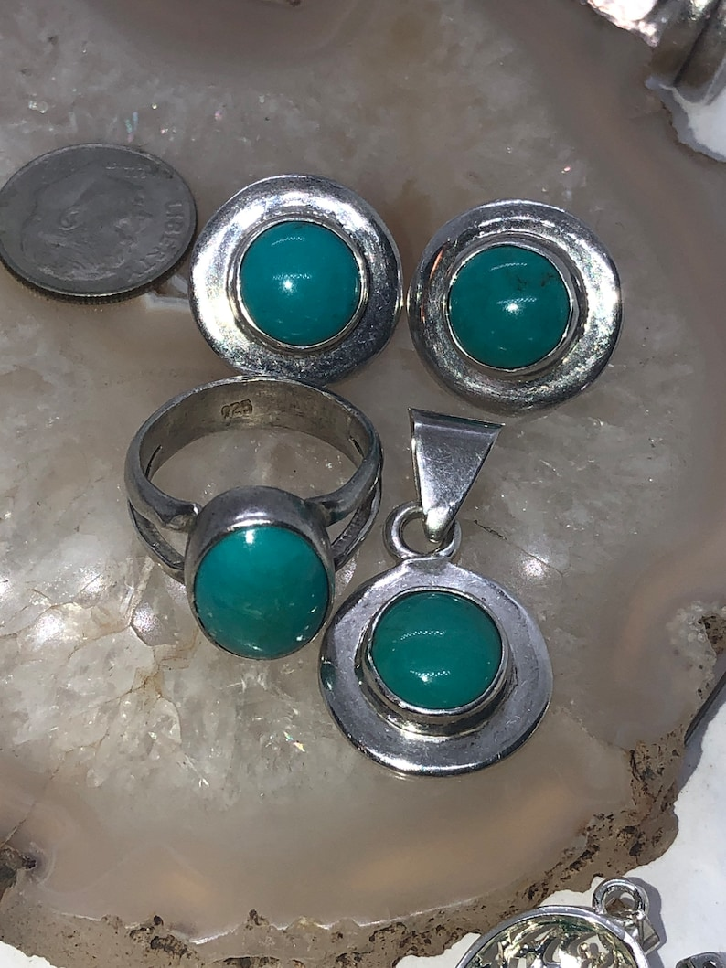 Beautiful vintage blue turquoise gemstone set of pendant for a necklace earrings and ring sterling silver 925 Size 6.75