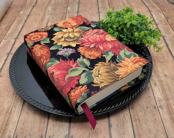ADJUSTABLE Book Cover, Book Sleeve, Book pouch, Padded Book Cover, Book Lover, Bookworm, Fabric Book Cover -Autum Flowers-