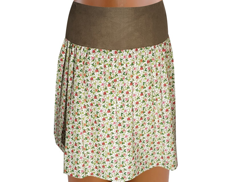 Austria Women/'s Skirt OS Costume with Floral Pattern and Wide Waistband Size 38 for Oktoberfest or Folk Festival in Bavaria Tyrol Ischgl