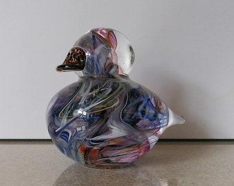 Pretty Collectable Avondale Glass Bird