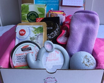 """2nd Trimester Care Package/Second Trimester """" BabyMoon"""" Box    Mama to be Gift Box   Pregnancy Pamper Gift Box For Loved One Mom to be Gift"""