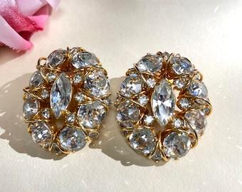 Mid Century Jewelry Mocha /& Milk Glass Clip Earrings Vintage Hattie Carnegie Earrings