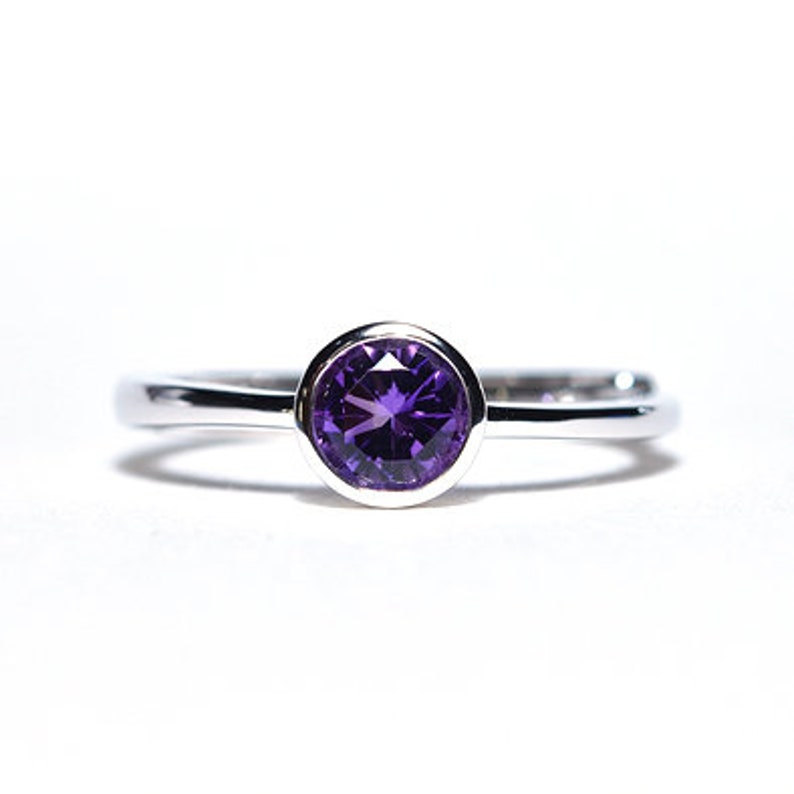 Amethyst Solitaire Classic Engagement Ring 925 Silver Bezel Setting Amethyst Wedding Promise Ring Women Dainty Gift Ring February Birthstone