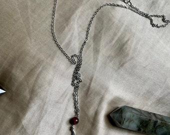 Collier oeil de taureau et lune céleste fait à montréal fait au Québec lithotherapie bijou minimaliste québécois acier inoxydable