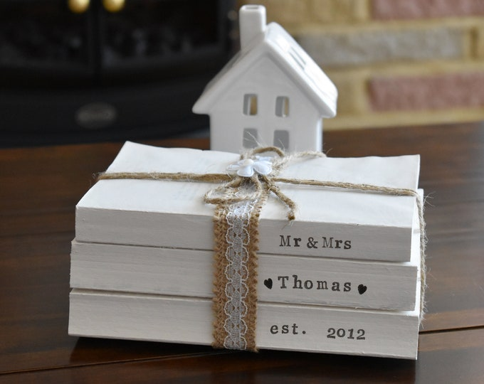 Mr and Mrs Custom Family Names Dates Stamped Book Stack, Farmhouse Decorative Book Signs, Personalised Wedding Gift, Rustic Home Shelf Decor