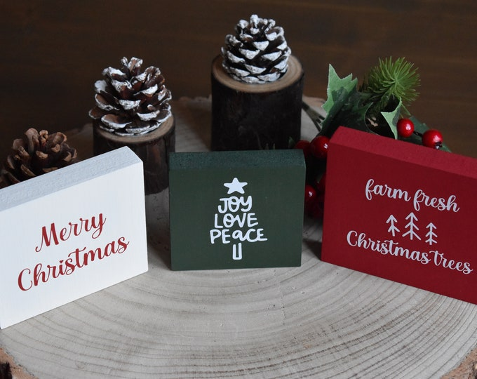 Christmas mini tiered tray signs, Christmas tiered tray decor, Farmhouse Christmas signs, Mini rustic wooden signs, Painted wooden signs