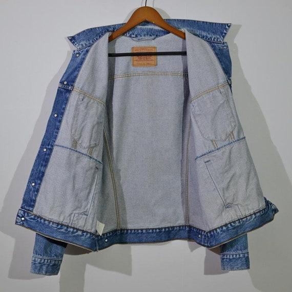 vintage Levi's jeans tracker - image 3
