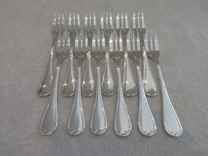 12 fourchettes à gateaux métal argenté style Louis XVI orfèvre Christofle modèle rubans (French silver-plated pastry cake forks)