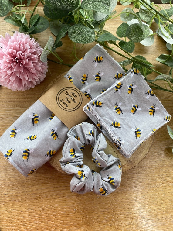 Grey Bumble Bee Super Soft Bamboo Cotton Face Flannel | Large Face Wipes | Reusable Face Cloth | Eco-friendly Face Wipes